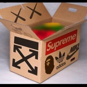 HYPEBEAST MYSTERY BOX!